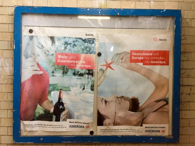 Plakat, Werbung, Urlaub, Bahnhof